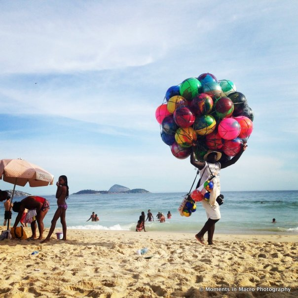 1-rio_man_with_balls_beach
